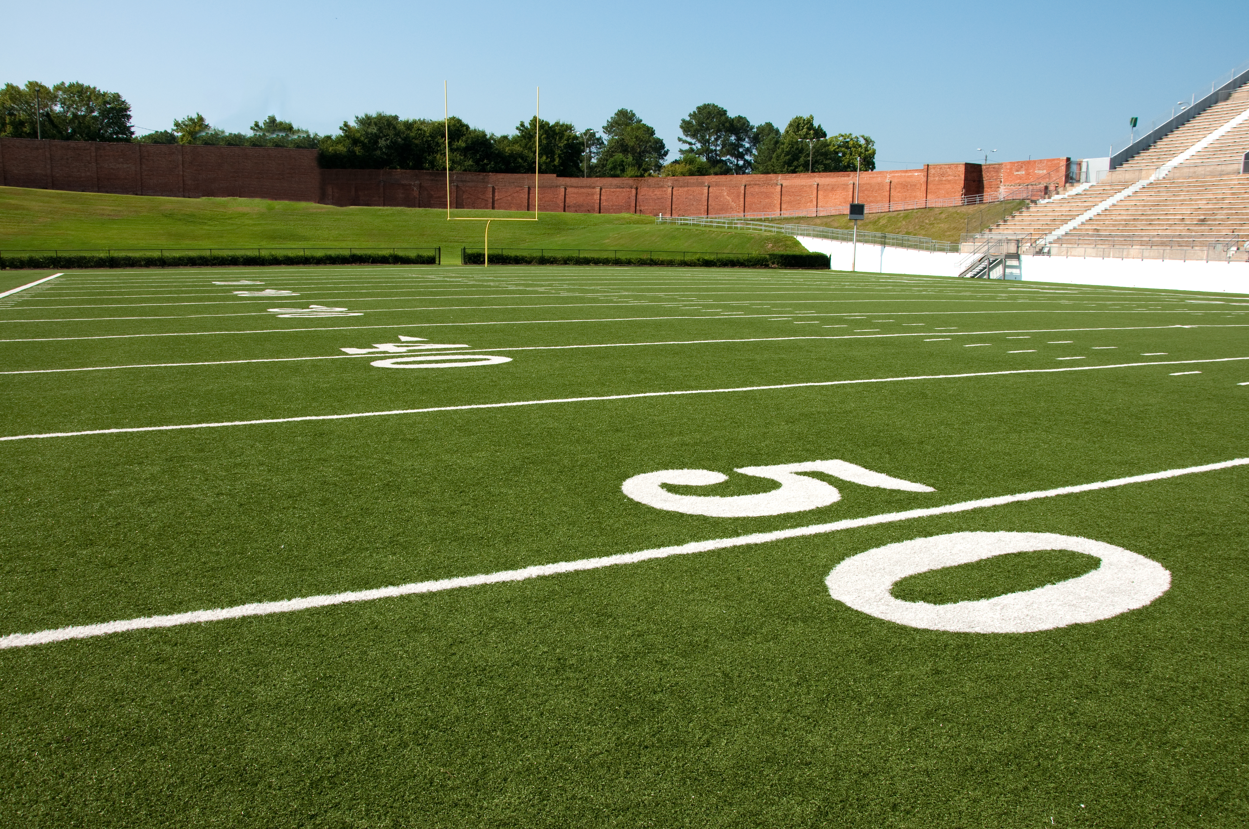 How Artificial Sports Turf Can Benefit Your Football Field